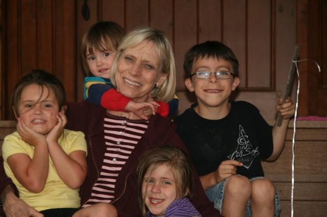Marmie Betts w-kids 045